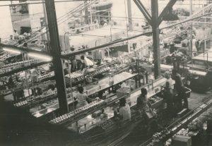 Photo des Les employés de l'usine Royal